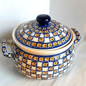 Polish handmade soup tureen with lid stamped MK59